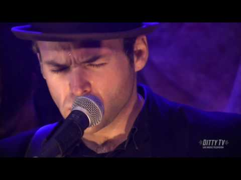 """Mike Mangione and the Union perform """"Somewhere in Between"""" on Ditty TV Mp3"""