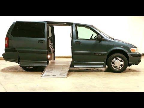 2005 Chevy Venture W Braun Entervan Side Entry Wheelchair
