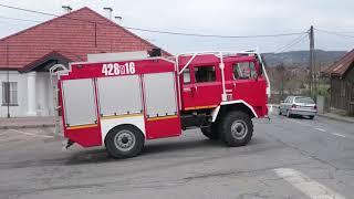[Trąby] Alarmowo po wodę przez zastępy OSP. Pożar stodoły.