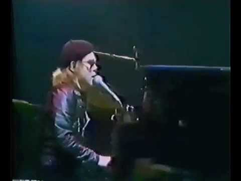 Elton John - Island Girl (Live at Wembley Empire Pool 1977)