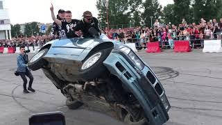 Лопнуло колесо БМВ Е36 во время трюков. BURNOUT BMW E36 FAIL