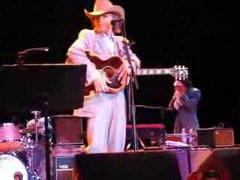 Dwight Yoakam Crazy Little Thing...Slap the Bass Kevin