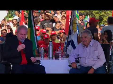 Lula e Pepe Mujica conversam sobre a vida, política, Brasil, Uruguai e América Latina.