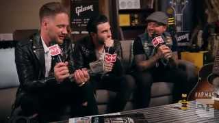 APMAs 2015: Sleeping With Sirens interviewed in the GIBSON backstage lounge