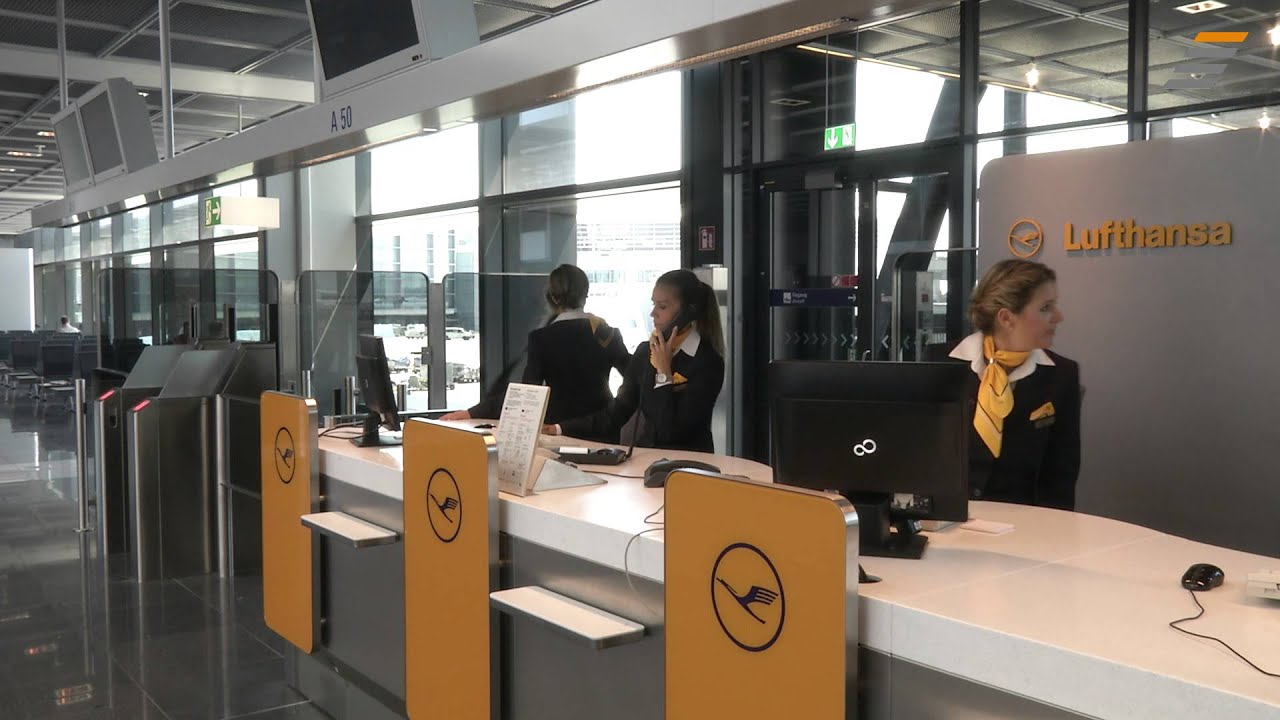 Then check out our late night check-in service. With your luggage already in good hands you can start your flight the next day a lot more relaxed. With your luggage already in good hands you can start your flight the next day a lot more relaxed.