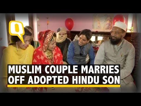 Muslim Couple Abides
