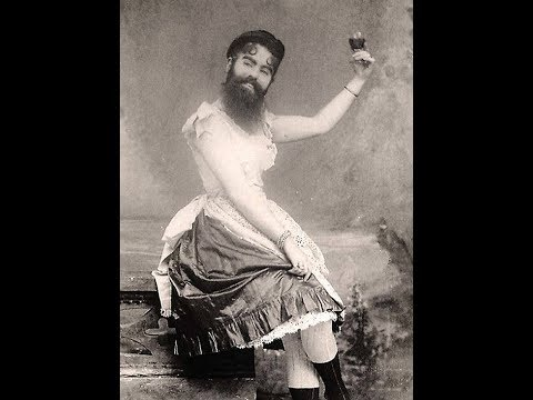 25 Historical Photos of Drag Queens From the 1890s and Early 1900s