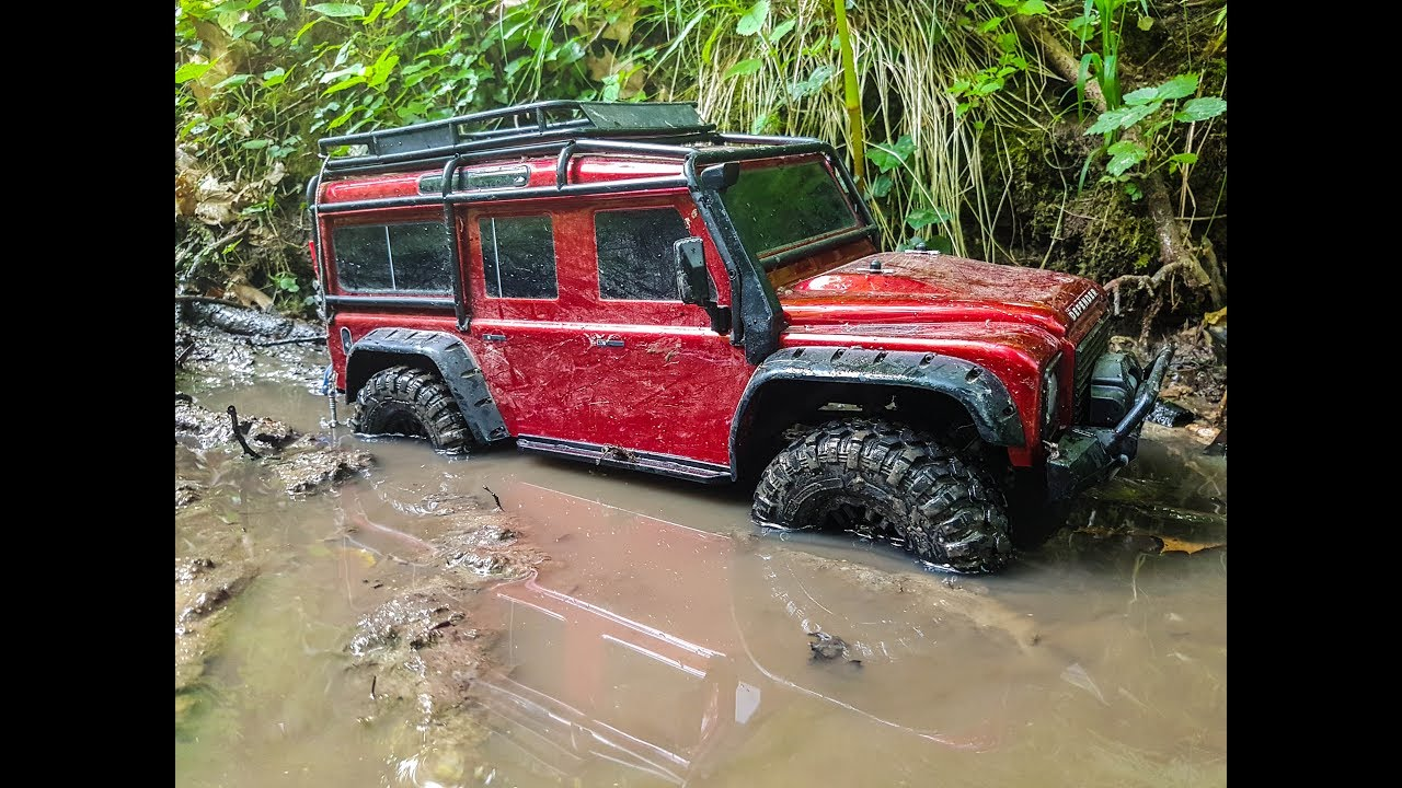 Traxxas trx4 land rover defender 110 first muding run im for Garage land rover nancy