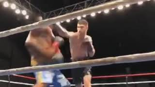 Титульный бой с жестким нокаутом казахстанца в первом раунде