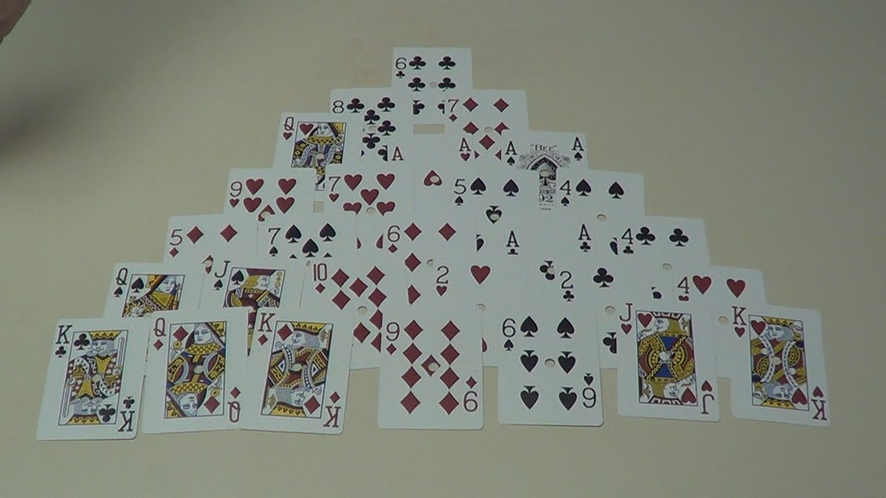 How To Set Up And Play Pyramid Solitaire Card Game Youtube