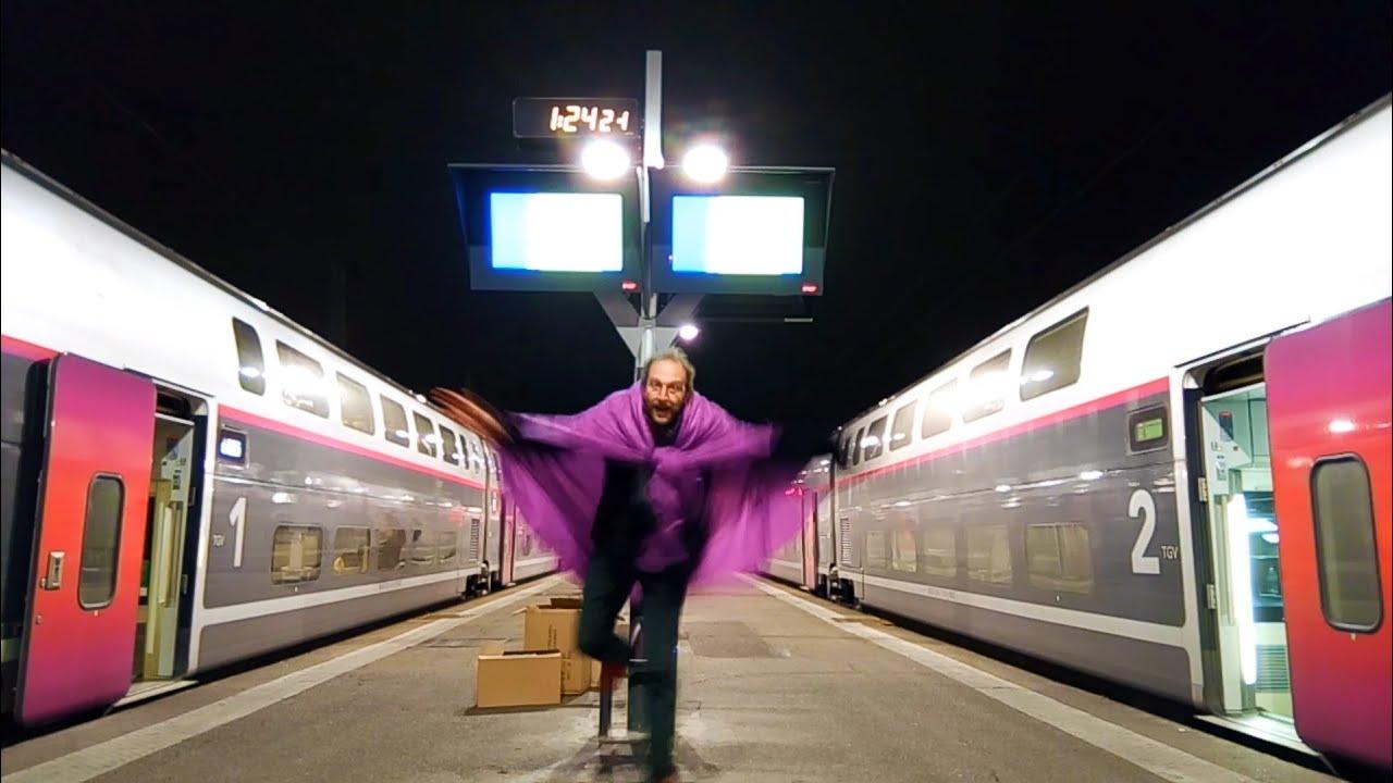 🚄 Le cul entre deux trains...🚆♪♫