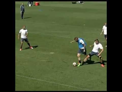 Incredibile il gol di Santon in allenamento ; Ma questo è allenarsi ? Cosi si allenano ?
