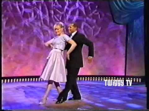 TWIGGY & GARY WILMOT perform I CAN COOK TOO 1995