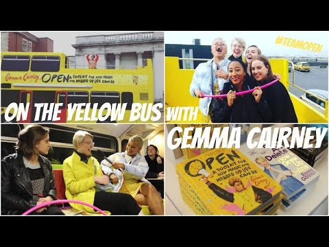 VLOG! On the Yellow Bus with Gemma Cairney | #BookBreak