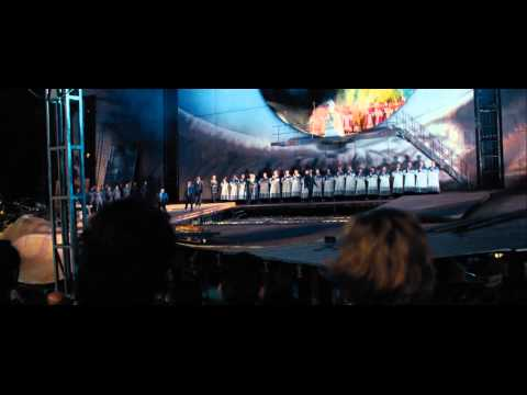 Quantum of Solace - James Bond encuantra a Green en la Tosca y M le cancela las tarjetas
