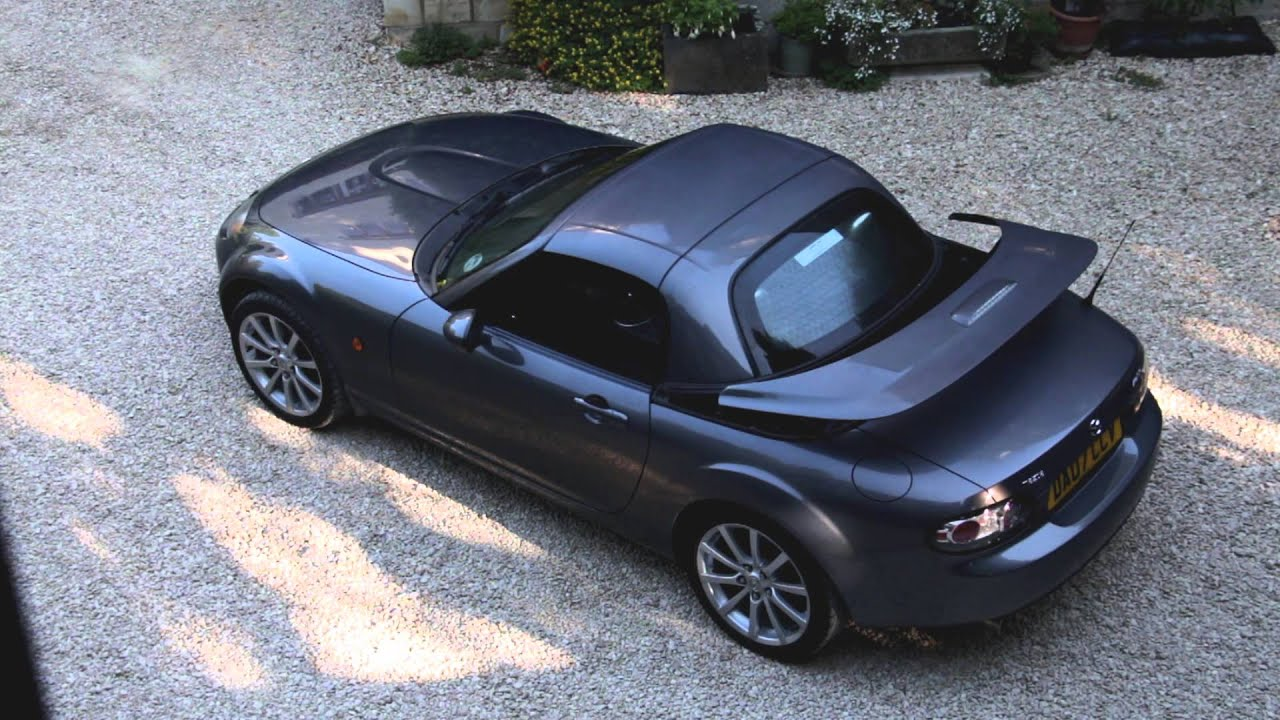 mazda mx5 miata power retractable hardtop opening. Black Bedroom Furniture Sets. Home Design Ideas