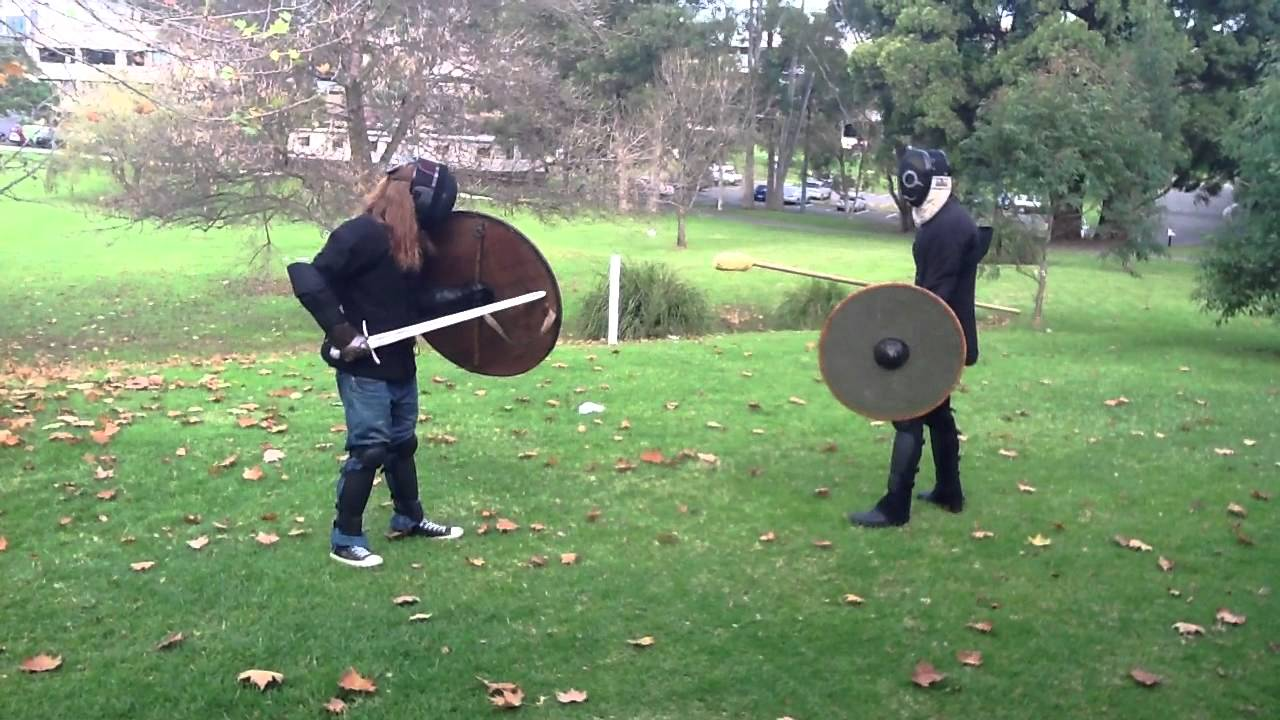 Viking age spear & shield vs sword & shield I