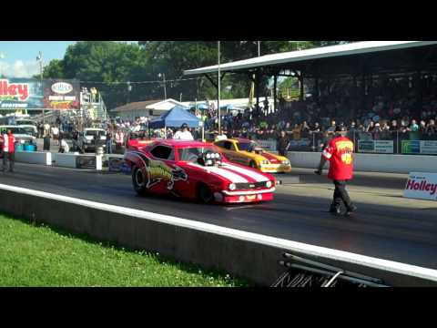 Bazz V Jon Capps in CropDuster (Round 1 - National Hot Rod Reunion - Bowling Green 2014)