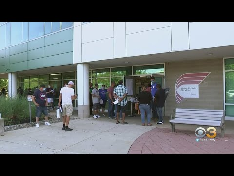 Long Lines Form As New Jersey Drivers Flock To Motor Vehicle Commission After Monthslong COVID-19 Sh