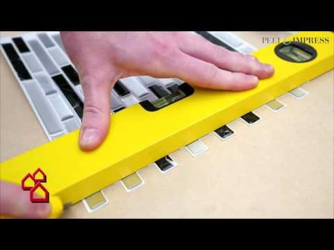 """BAUHAUS TV - Produktvideo: Selbstklebende Vinyl-Mosaikmatte """"Peel & Impress"""" für Bäder"""