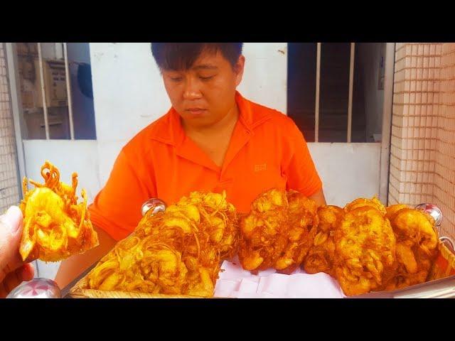 Ngon Lạ bánh mì chiên tôm gia truyền hơn 50 năm trên vỉa hè Sài Gòn | street food of saigon
