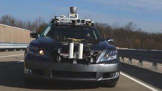Беспилотник Toyota выехал на шоссе.
