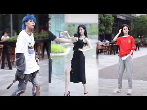 Fashion Walking Style In Public
