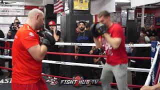 Adam Kownacki Hitting the mitts ahead of Iago Kiladze Fight -  Adam Kownacki trening bokserski