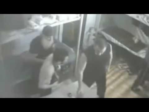 видео ебут опущенного