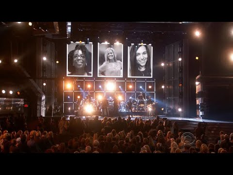 Cover Lagu ACM Awards remembers Las Vegas shooting victims STAFABAND