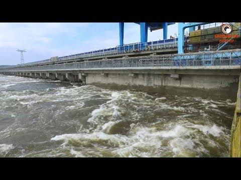 Такого они еще не видели! Саратовская ГЭС открыла тайны выпускникам энергокласса