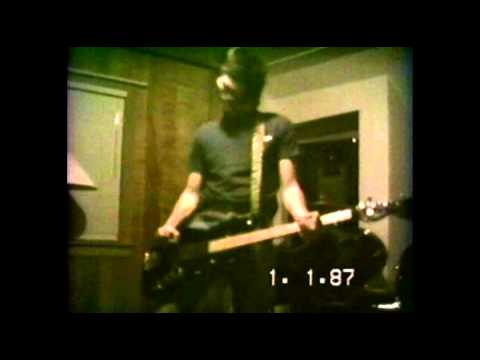 Nirvana - (Rehearsal) Krist Novoselic's mother's house, Aberdeen 1988 from YouTube · Duration:  26 minutes 44 seconds