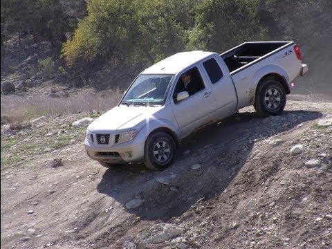 2012 Nissan Frontier & Titan PRO-4X pick-up off-road Safari review