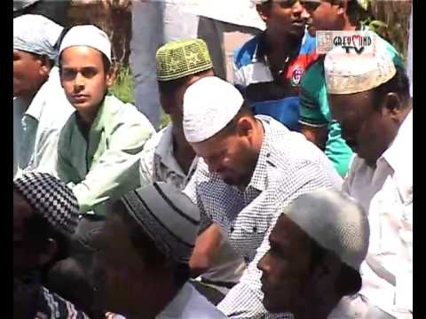KOLKATA KNIGHT RIDERS: YUSUF PATHAN AND IQBAL ABDULLAH IN NAMAAZ AT MD. SPORTING GROUND..