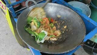 Thai Pork Fried Noodles - Pat Se Yu - Thai Recipes