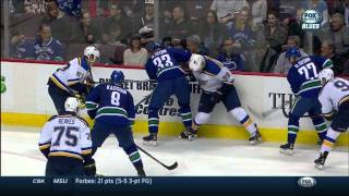 Ryan Reaves dots Zack Kassian