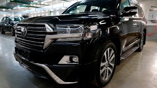 Toyota Land Cruiser 200 Executive Black Detailing by Revolab