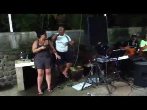 Billy Tupea chante elena a puurai Tahiti