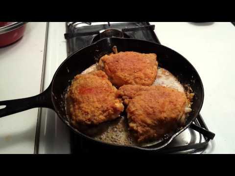 sizzlin'-fried-chicken-cast-iron-skillet