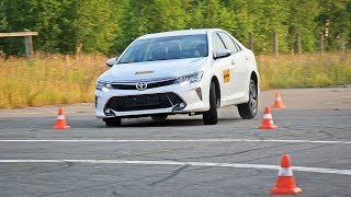 Toyota Camry Лосиный тест. Торможение. Крены смотреть