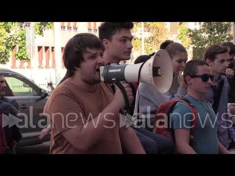 Milano, studenti protestano per il trasferimento di Città Studi
