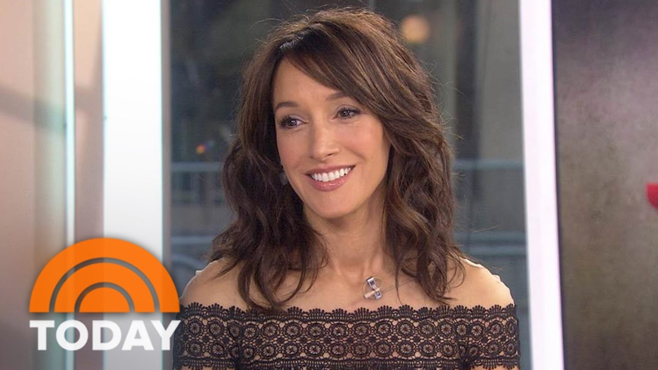 Jennifer Beals Nude Photos 98