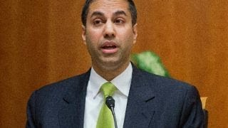 FCC votes to overturn net neutrality along partisan lines thumbnail