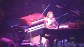 Tori Amos St Louis-12-03-2002=13-Take To The Sky