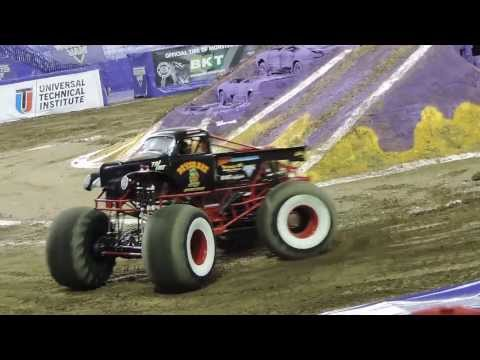 River Rat Monster Truck Freestyle ( Monster Jam 2014 Indianapolis )