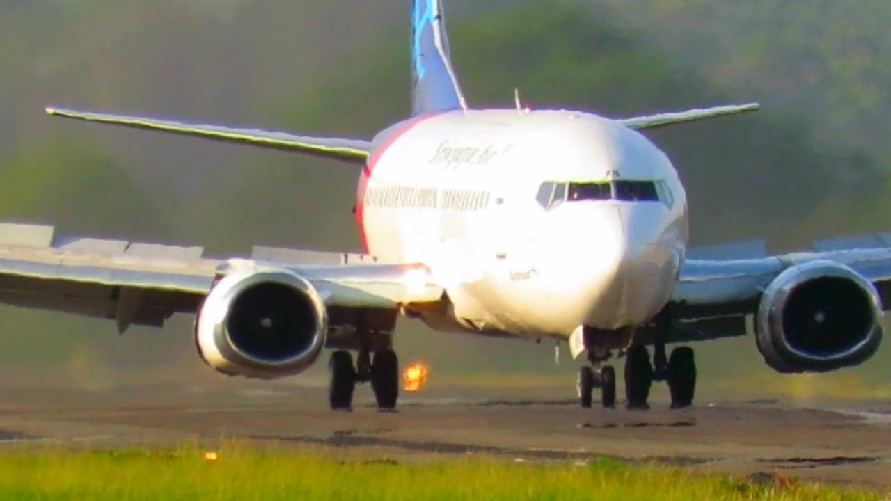After Landing Sriwijaya Air Indonesia Airlines (Pesawat ...