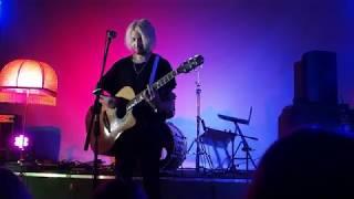 Download Женя Мильковский - Вороны (acoustic) Mp3 and Videos
