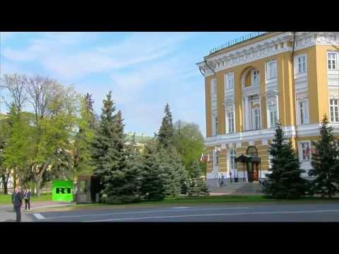 Владимир Путин встречает