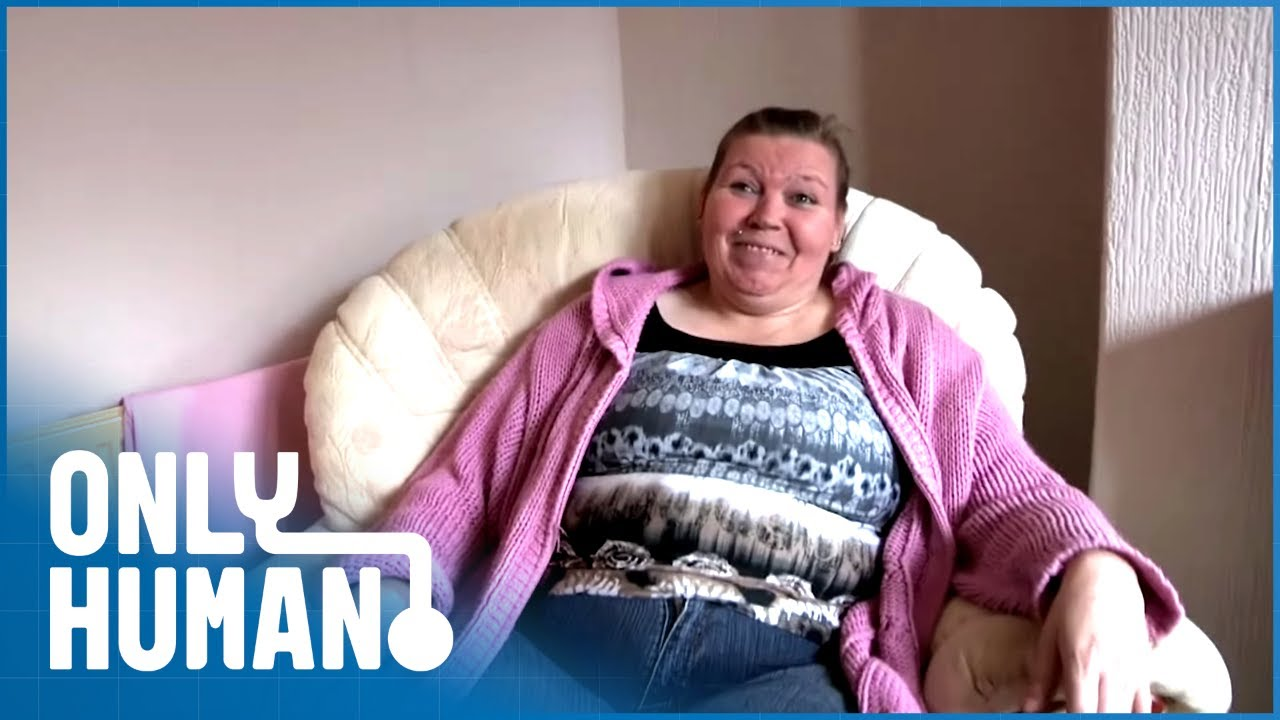 How A Mother of 6 Survives on £105 A Week | Benefits Britain S2 Ep2 | Only Human