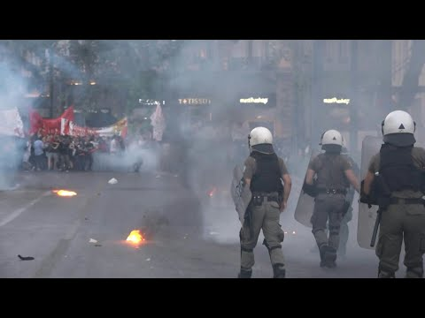 AFP News Agency: Clashes break out in Athens over tighter demonstration rules | AFP